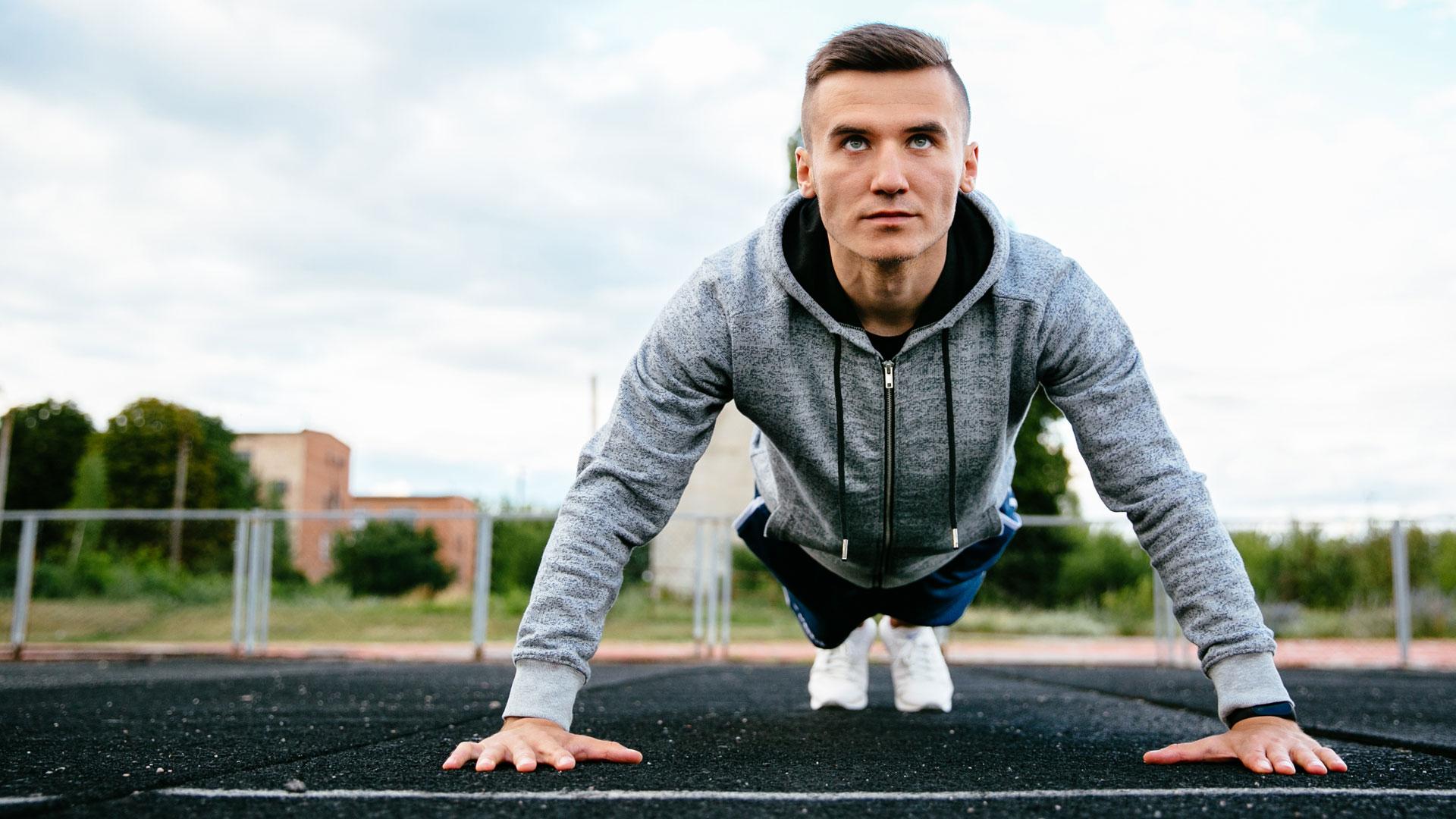Plank esercizi core training consigli esperto Santucci Running Team